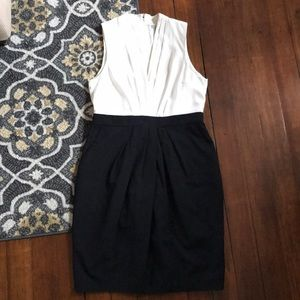 H&M dress size 10/12 with pockets
